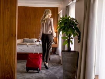 Idealnie urządzony pokój hotelowy