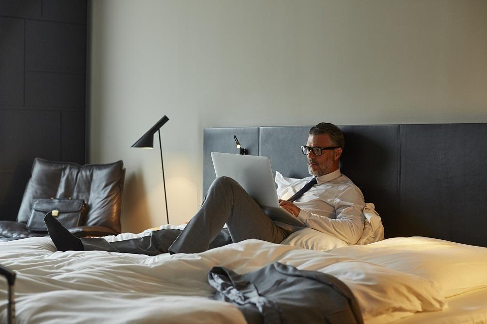 zachowanie w pokoju hotelowym